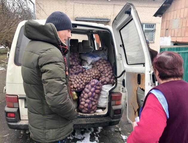 Волинський «кіборг» привіз в шпиталь подарунки на Миколая