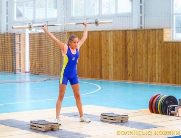 У Луцьку - змагання юних важкоатлетів. ФОТО