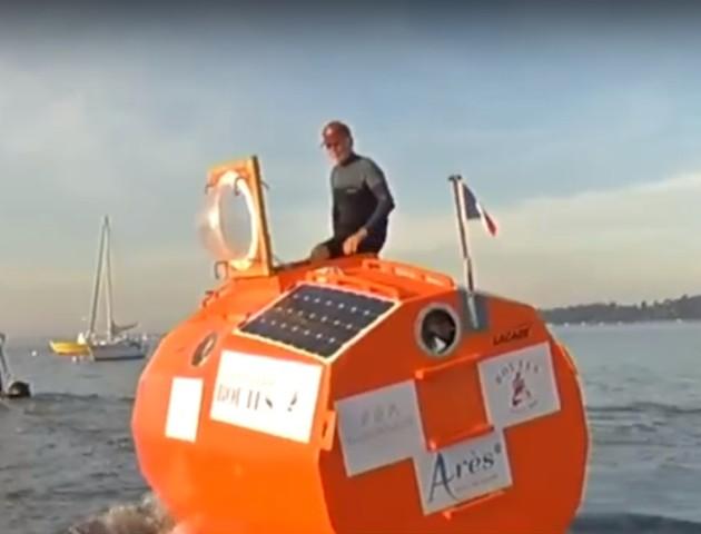 Француз готується перетнути Атлантичний океан у бочці