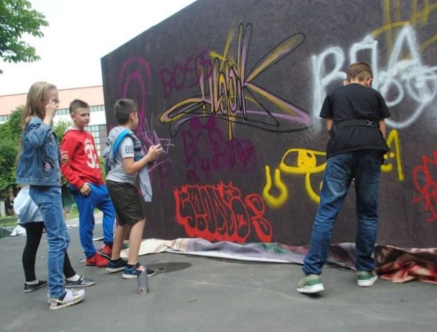 У Луцьку дітей вчили малювати графіті. ФОТО