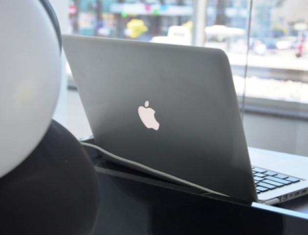 У Луцьку відкрили новий «яблучний» магазин «I.Сube»»