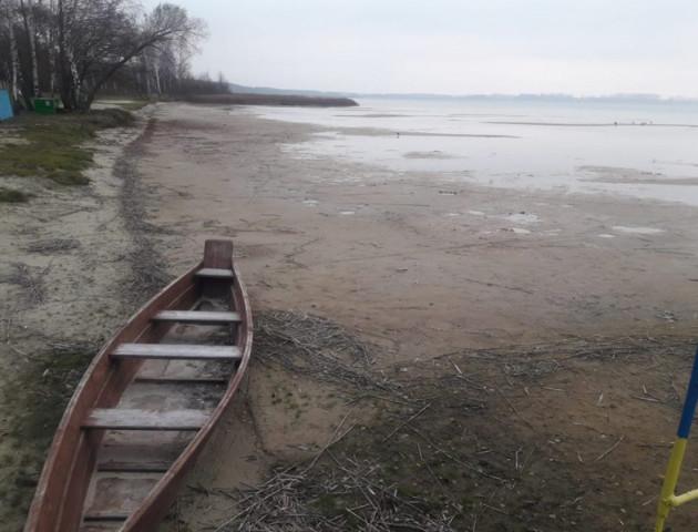 Озеро Світязь міліє. ВІДЕО