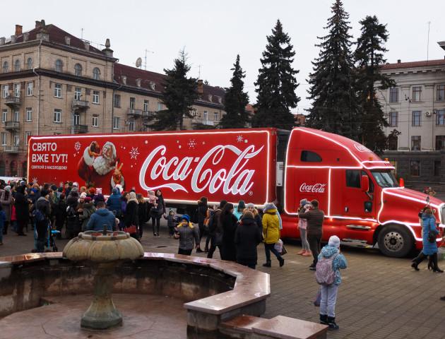 Святкова «фура» від COCA-COLA у Луцьку: як це було. ФОТОЗВІТ