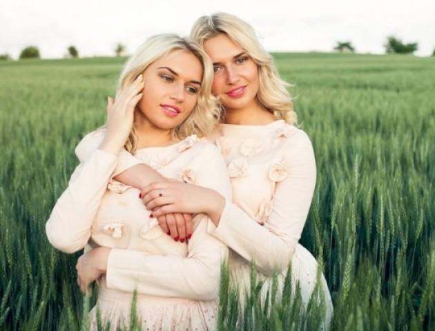 На Волині обиратимуть кращу пару близнючок