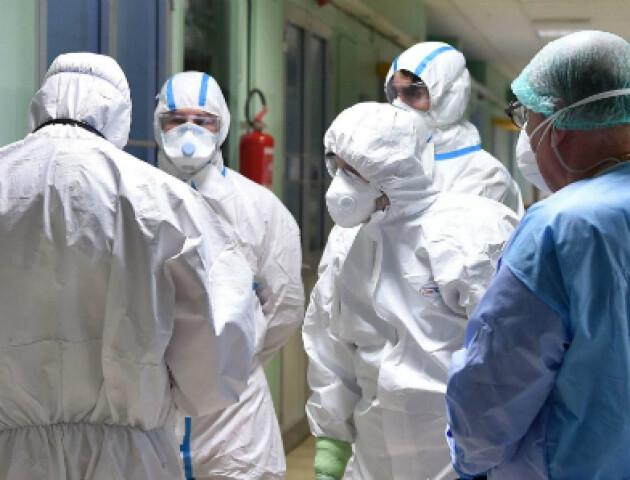 Чи заразились медики і рідні юнака, який помер від коронавірусу на Волині