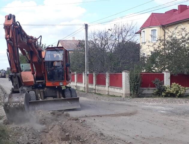 У Зміїнці під Луцьком ремонтують дорогу за 2,6 мільйона гривень
