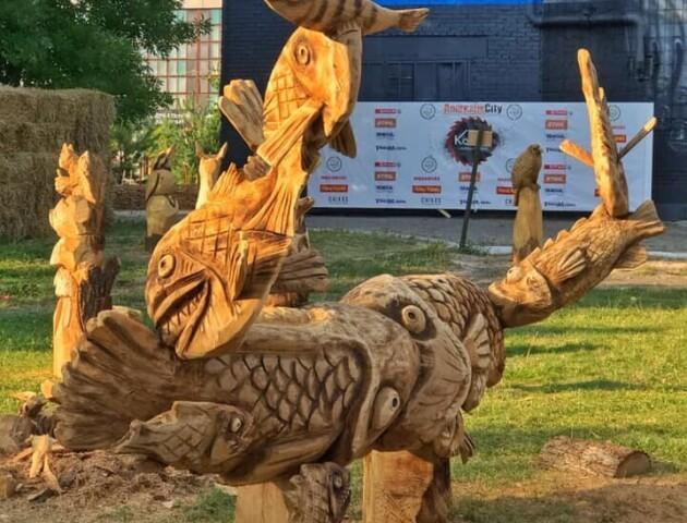 У Луцьку запрошують на шоу палаючих химер у парк скульптур