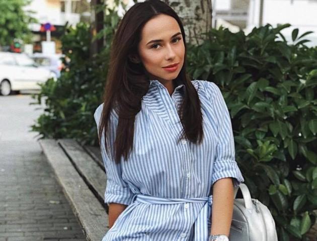 Учасниця конкурсу «Міс Україна» влаштовує у луцькій «Ротонді» благодійну акцію