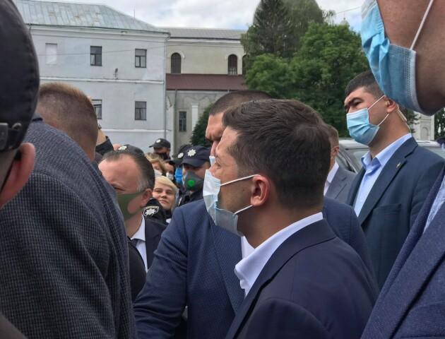 «Подзвоню Баканову» - Зеленський у Луцьку пообіцяв захистити Старий ринок від бульдозерів