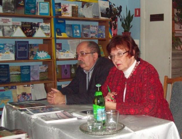 Подружжя письменників презентуватиме книжки у луцькій книгарні