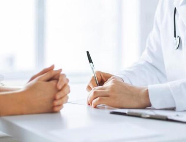 МОЗ хоче платити більше за декларації між пацієнтом та сімейним лікарем