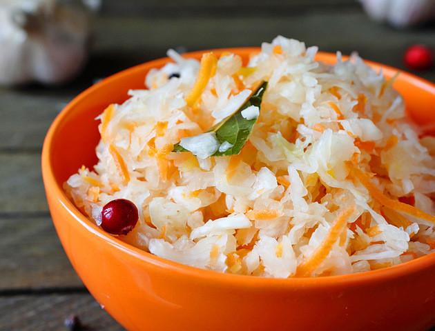 Може замінити найкращий йогурт: Уляна Супрун порадила їсти квашену капусту