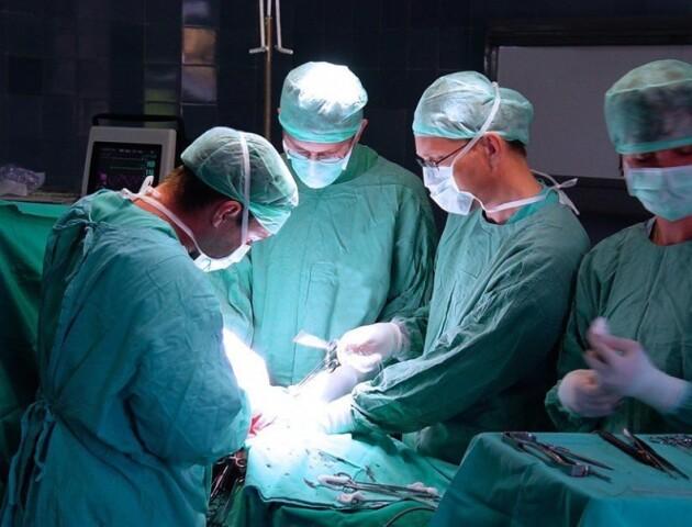 Канадські лікарі пропонують допомогу постраждалим військовим з Волині