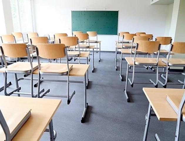 Іще в одній школі Луцького району продовжили осінні канікули