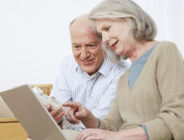 У Луцьку пенсіонери отримають електронні посвідчення
