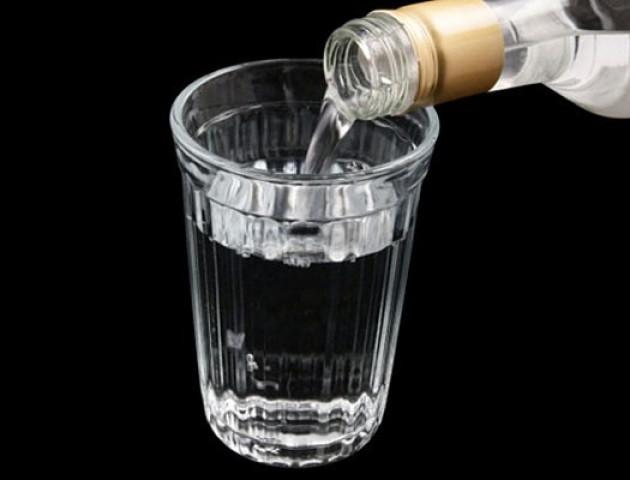 9-річний хлопчик випив горілку батьків і впав у алкогольну кому