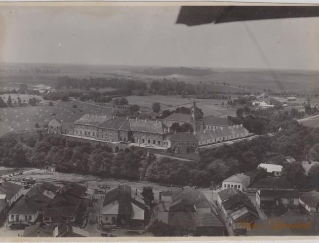Опублікували фото волинського замку, зроблене льотчиками у 1934. ЗГАДАТИ ВСЕ