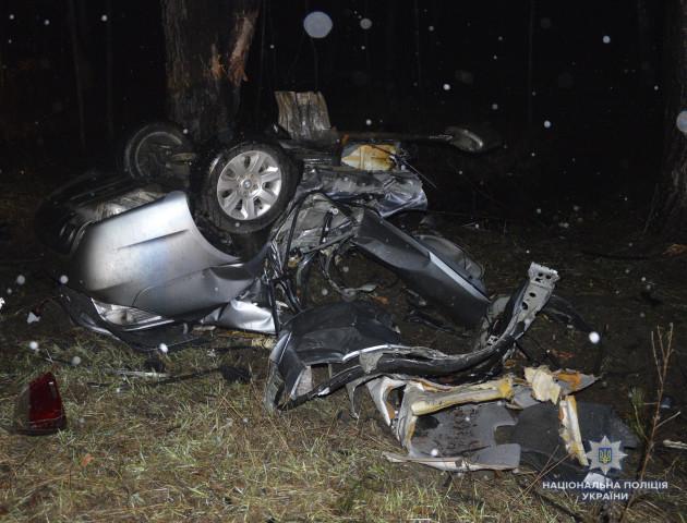 Смертельна ДТП на Волині: авто перетворилося на купу брухту. ФОТО