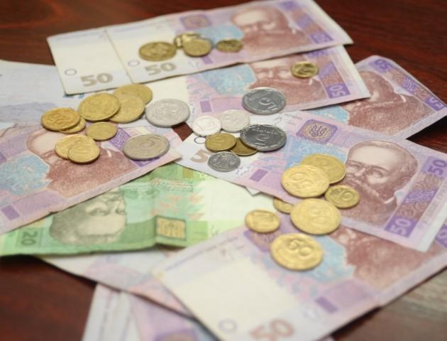 В Україні почали більше платити безробітним