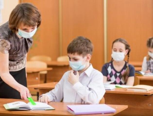 Коронавірус у школах Волині. Скільки учнів та вчителів захворіло
