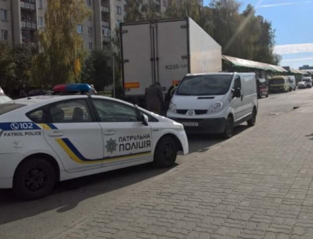 У Луцьку фура заблокувала рух вулицею. ФОТО