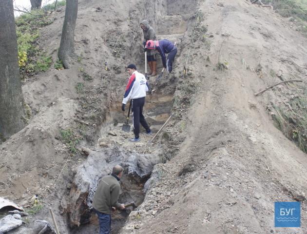 У Володимирі проводять розкопки середньовічного оборонного валу. ВІДЕО