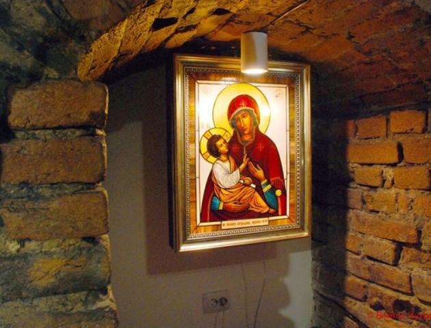 Напередодні Великодня у Луцьку відкрили виставку сакрального мистецтва