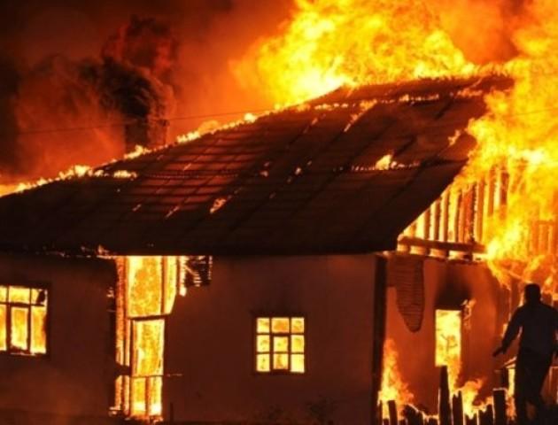 На Вінниччині мати з 5-ма дітьми ледь не згоріла живцем