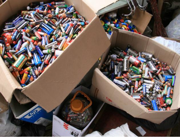 У Луцьку зібрали 3,5 тонни відпрацьованих батарейок. ФОТО