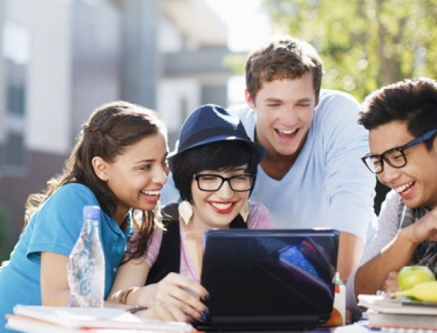 Волинським студентам пропонують пройти онлайн-практику в ПриватБанку
