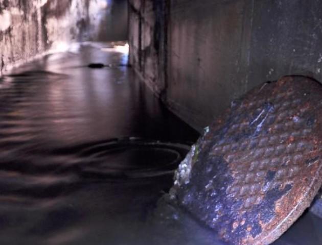 Підвал будинку у Ковелі заливає фекаліями