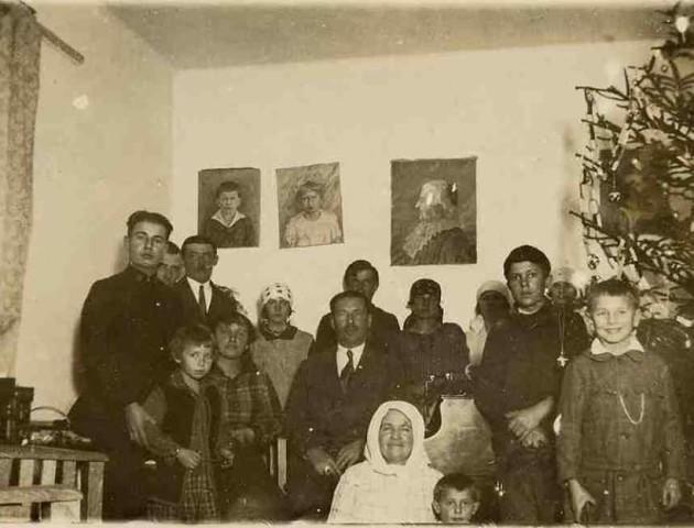 Як у родині Липинських на Волині новорічні свята відзначали. РЕТРОФОТО
