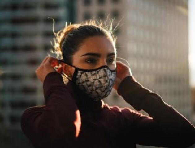 Кабмін офіційно дозволив саморобні захисні маски