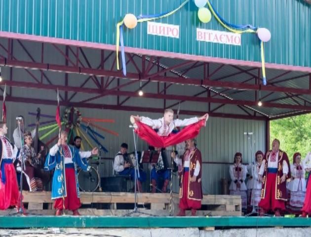 Люди там скучили за українським, - учасники Волинського хору про виступ на Луганщині. ВІДЕО