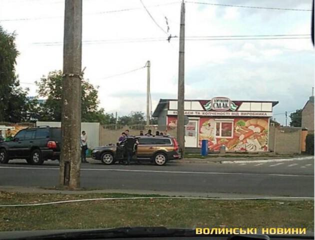 У Луцьку працівника внутрішньої безпеки поліції «взяли» на хабарі
