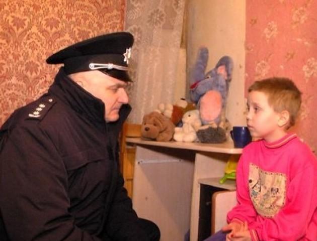 Поліція буде «навідуватися в гості» до учнів, які 10 днів без причини не були в школі