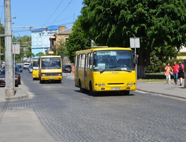 Лучани скаржаться, що через відсутність маршрутки запізнюються на роботу
