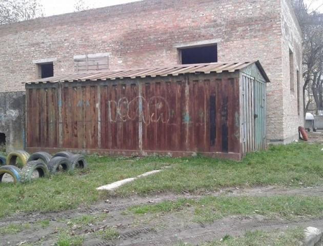 У Луцьку демонтують 8 незаконних споруд