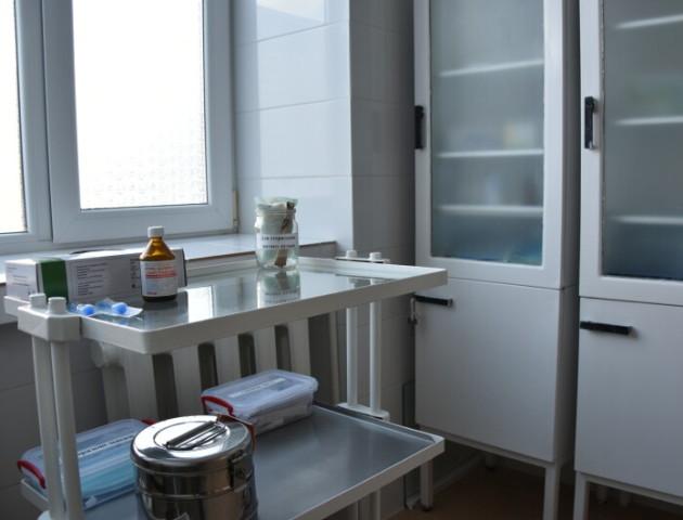 У Луцькій дитячій поліклініці відремонтували два кабінети за 715 тисяч гривень. ФОТО
