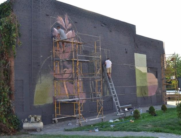 У Луцьку – фестиваль урбаністичного мистецтва: місто розмальовують муралами. ВІДЕО