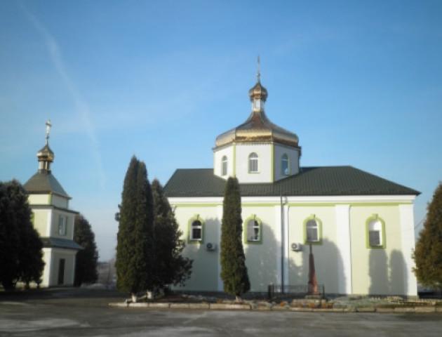 У селі на Горохівщині заговорили про перехід в нову церкву