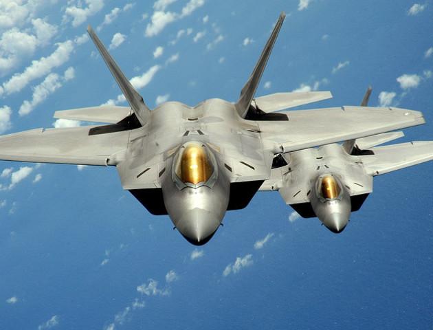 Американські винищувачі в Сирії прогнали вогнем російські бойові літаки