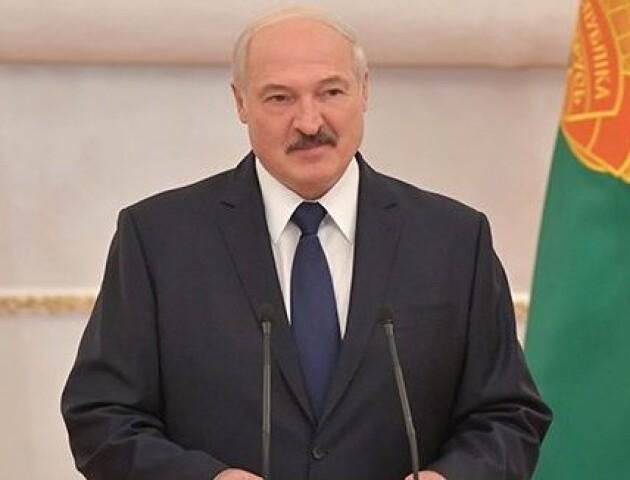 У Мінську Лукашенко «таємно» склав присягу президента. Протести тривають понад місяць