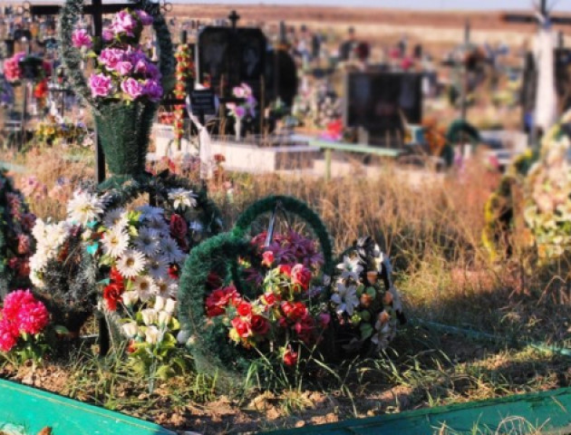 У Луцьку закінчуються місця на кладовищах