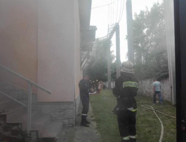 У Луцьку горить підстанція: в центральній частині міста зникло світло. ФОТО