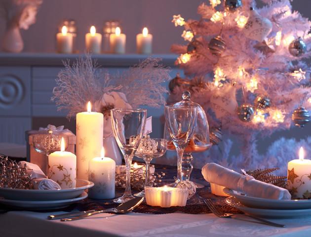 Як прикрасити новорічний стіл: красиві ідеї святкового сервірування