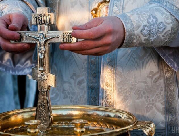 Хворий на коронавірус священник з Тернопільщини контактував із 500 людьми