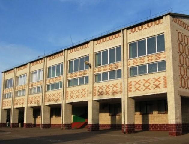 Відремонтували скандальну маневицьку школу, в якій протікав дах