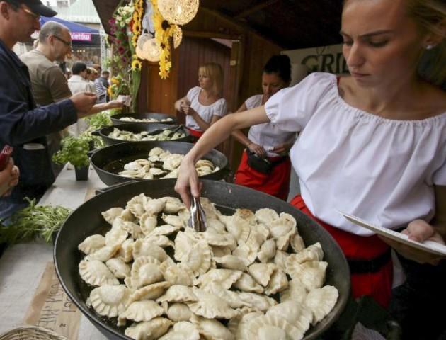 Вареники, куліш і забави: як волинське село гуляло на фестивалі вареників. ВІДЕО