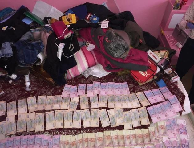 На Львівщині «накрили» банду вчителів, яка торгувала наркотиками